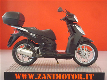 Honda DEAUVILLE 700 '06